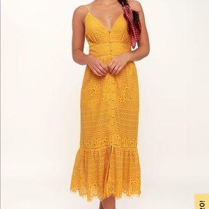 Mustard yellow lace midi-dress